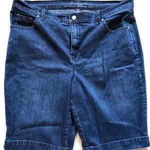 Gloria Vanderbilt denim shorts